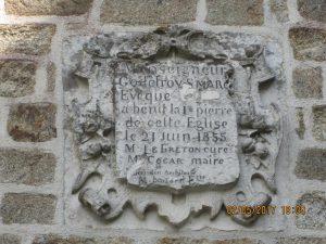 sur l'église de St Brice en Coglès